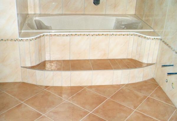Badezimmer fliesen pfeifer platten und for Fliesen bilder bad